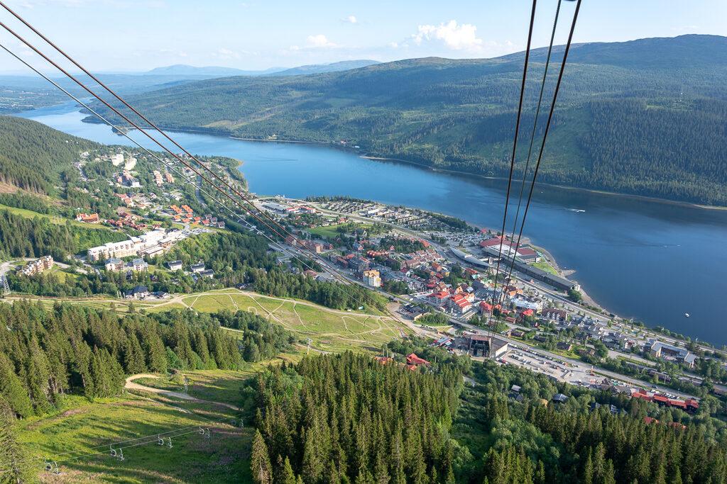Bild från kabinbanan över orten Åre.