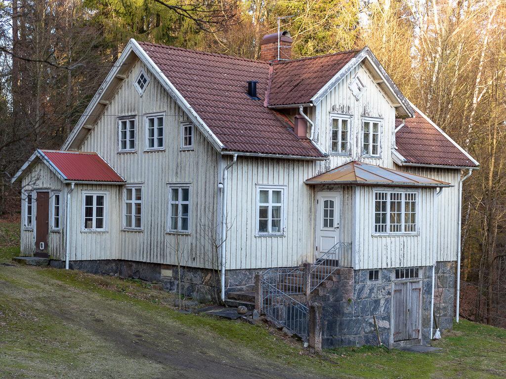 boningshus på gården