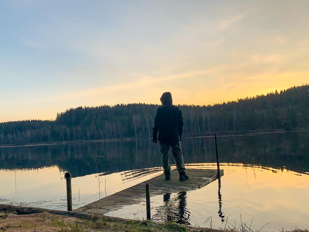 Hans vid sjö
