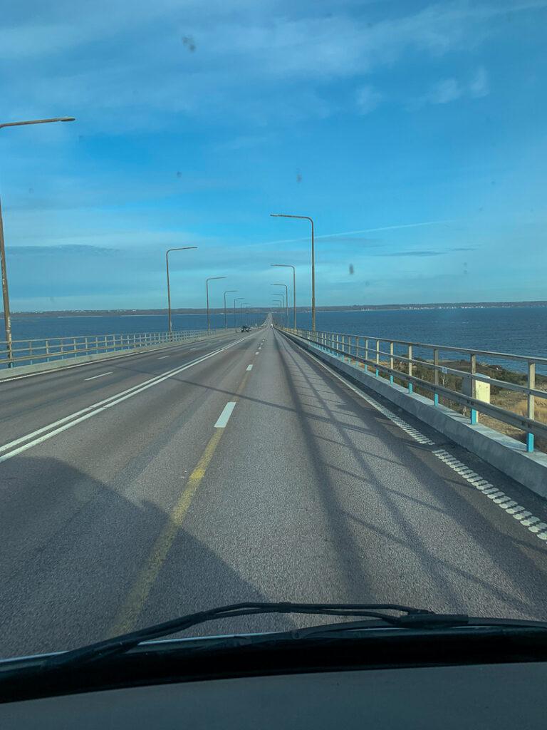 Kör på Ölandsbron.